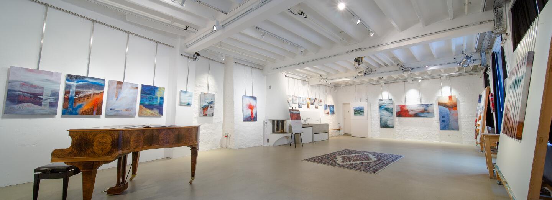 Vue intérieure d'une galerie